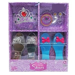 Imagen de Corona con 2 pares de zuecos y accesorios, en caja