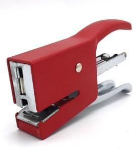 Imagen de Engrapadora de mano, en caja