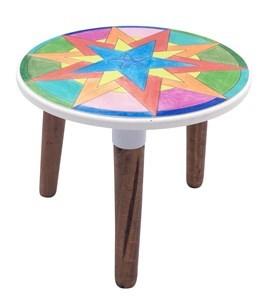 Imagen de Banquito de madera con diseño, también sirve como pequeña mesa, caja x2