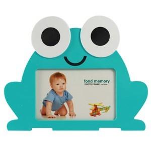 Imagen de Portarretrato infantil de plástico, foto 10x15,en caja, rojo, verde y celeste