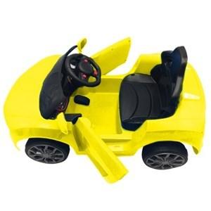 Imagen de Auto a batería AMARILLO, con control remoto, con luces y sonido, auxiliar de auriculares, en caja